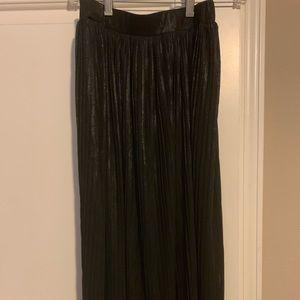 Shimmery pleated midi skirt